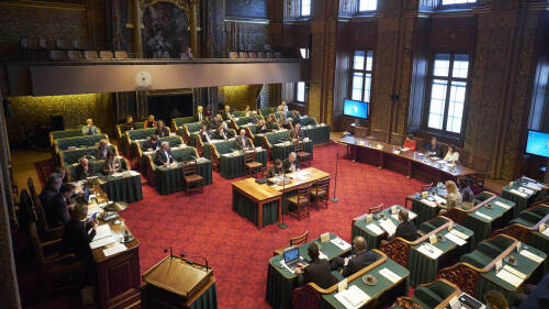 Politiek verslaggever Frank Hendrickx over 'koehandel' bij Eerste Kamer...