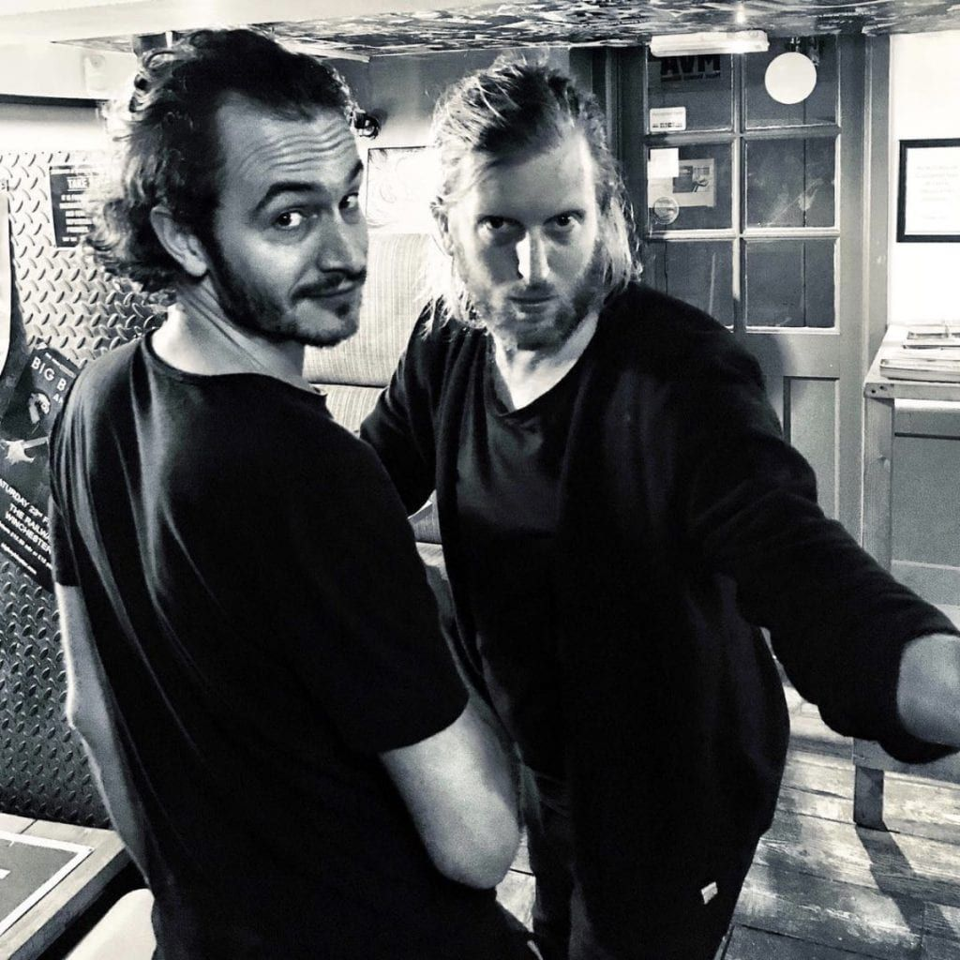 Smith & Burrows houden het 'luchtig' op hun eerste album in 9 jaar tijd