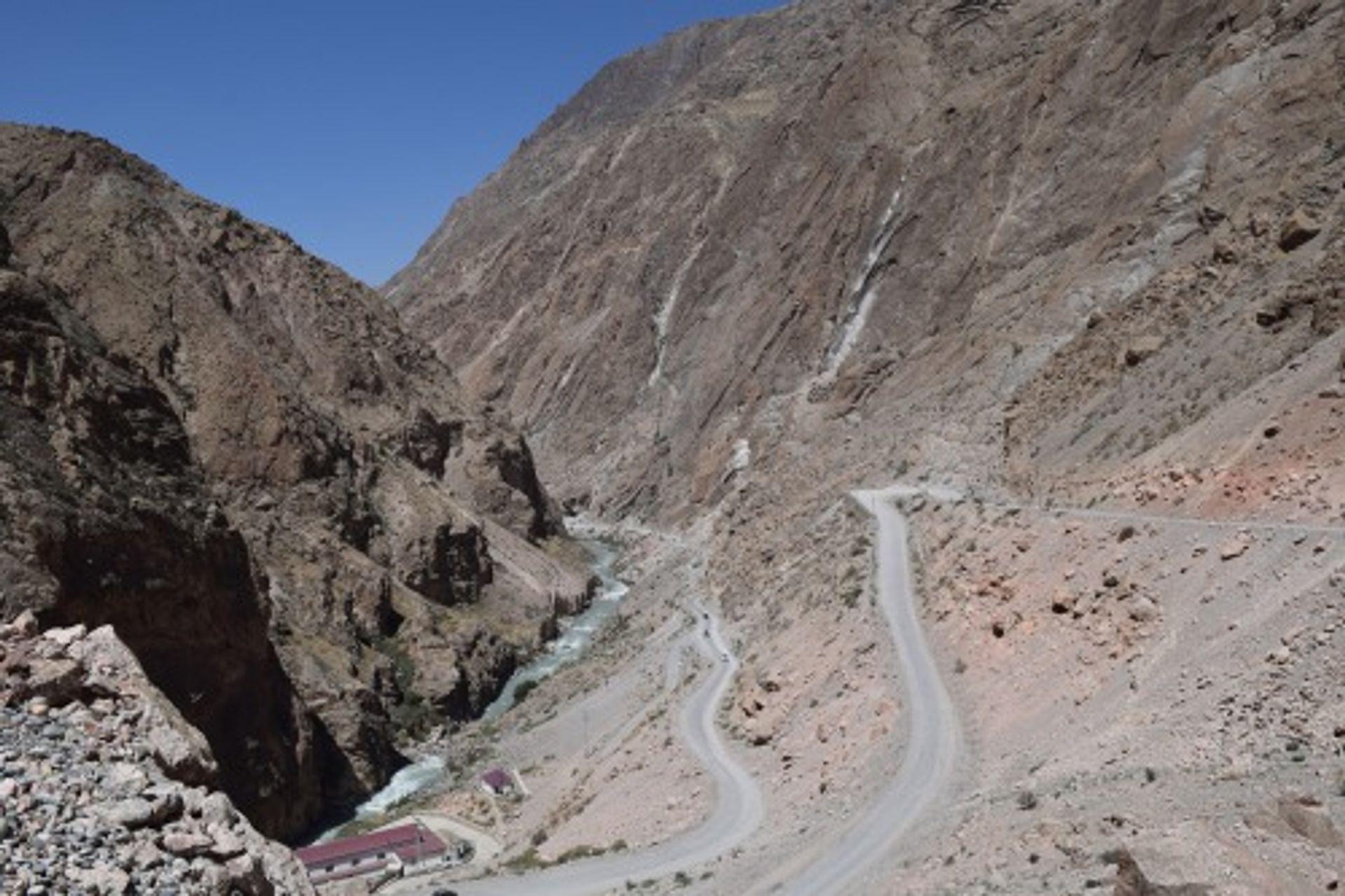 Backpack Track: Annemarie trok door de vlaktes van Kirgizië met Bonnie...