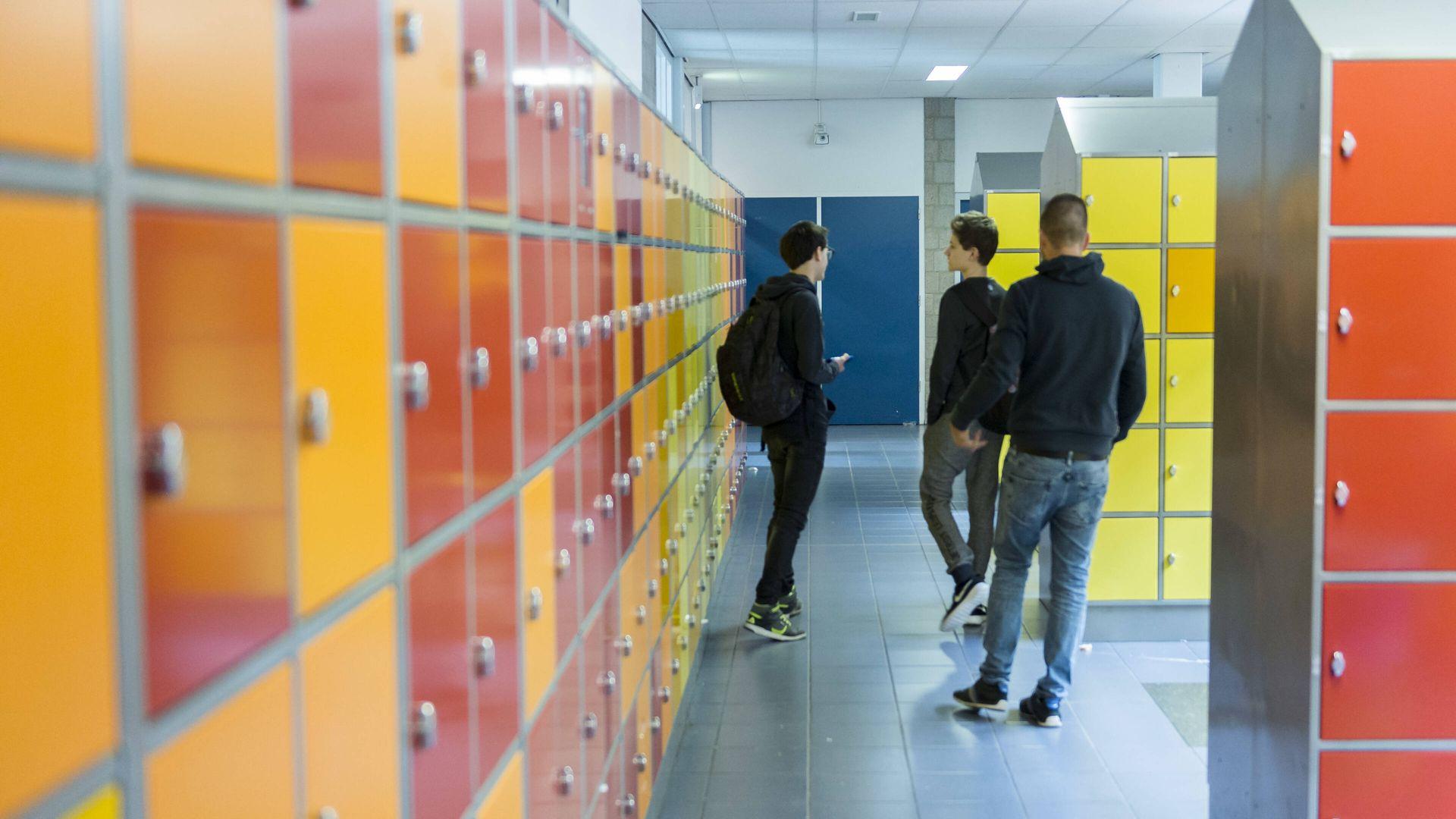 De frikandelbroodjes en energiedrankjes liggen klaar: De scholen gaan weer open!