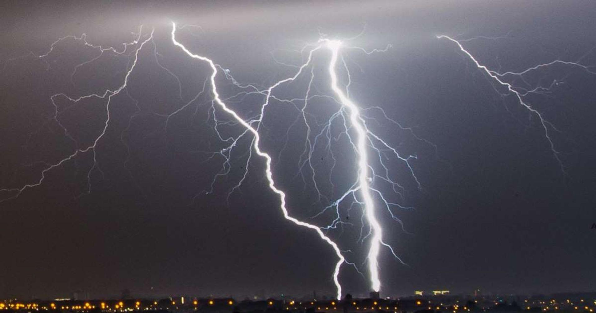 FACTCHECK: onweert het alleen als het regent?