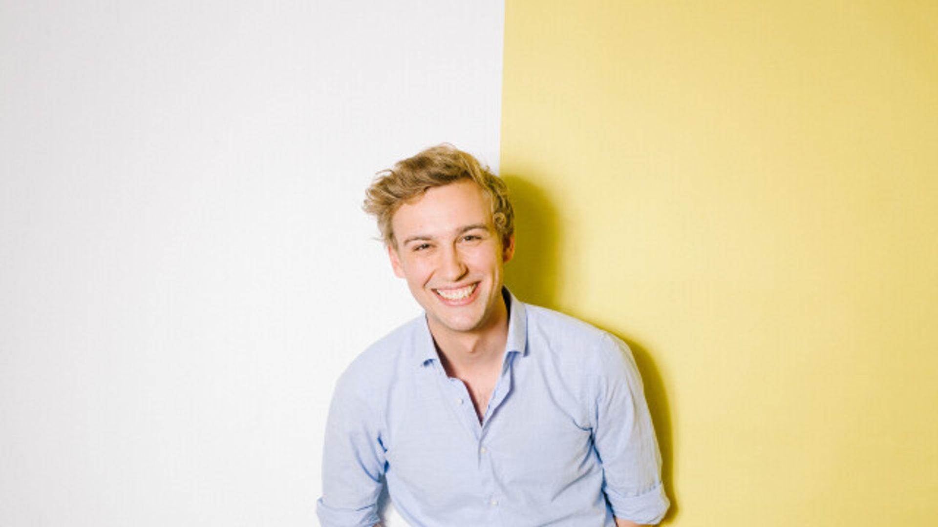 Luc's Lievelings: Evan Klar aan de telefoon