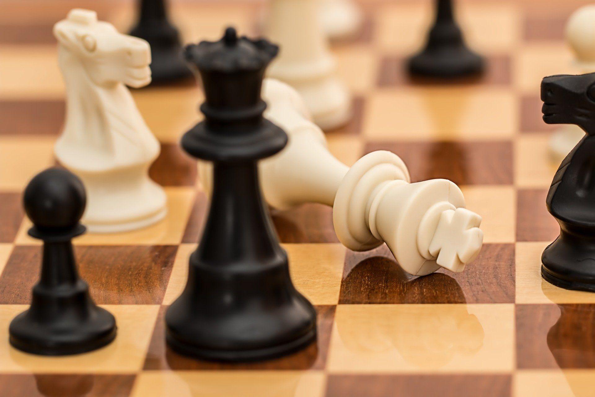 Jorden (21) eerste Nederlandse winnaar in 35 jaar van het grootste schaaktoernooi ter wereld