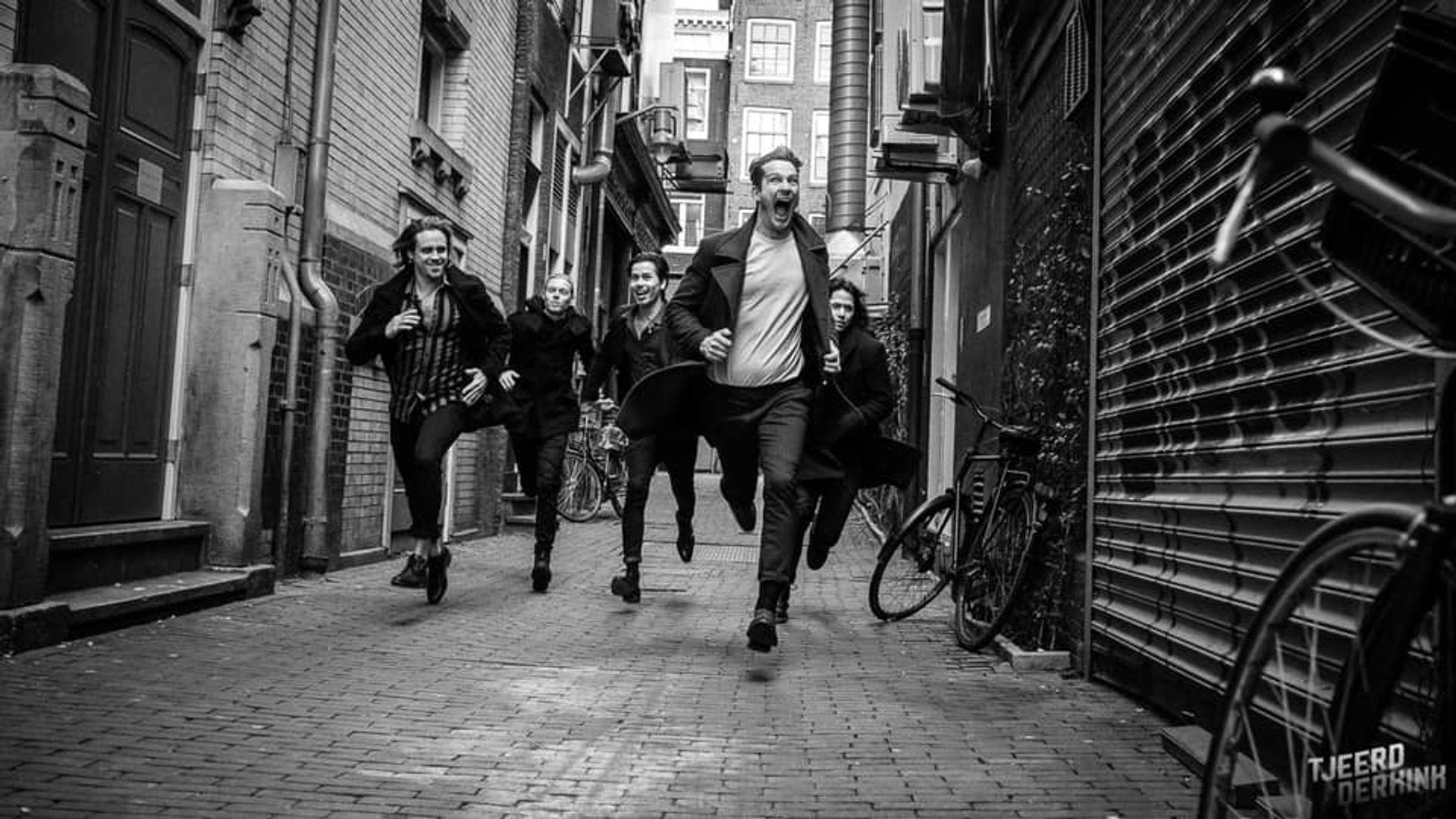 3FM Talent Ten Times A Million met Bye live vanuit hun eigen studio in de Quarantaine Sessions
