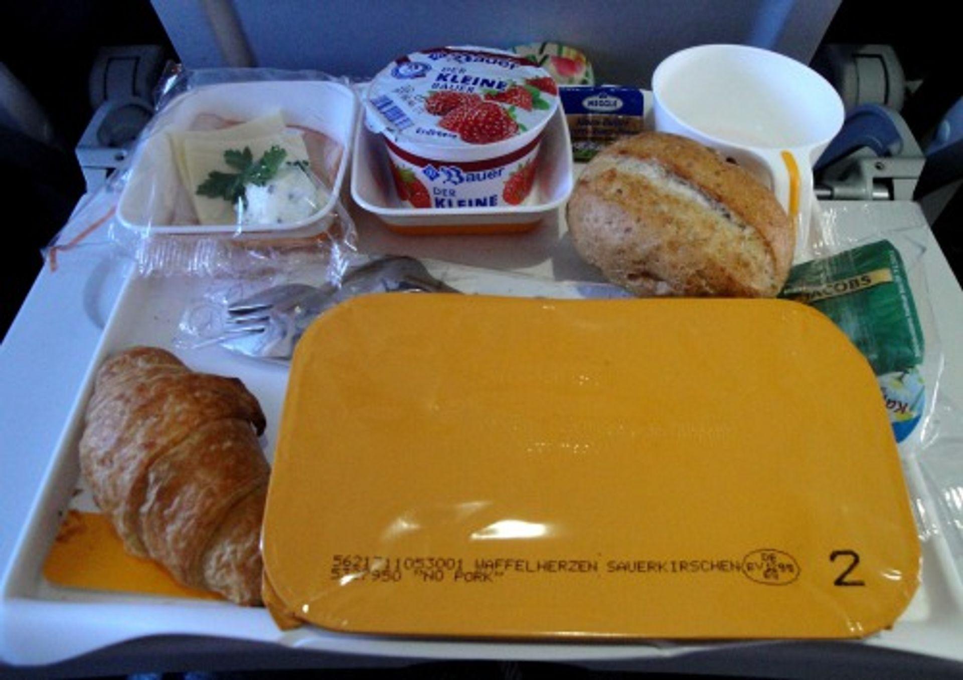 Eet je ranzige vliegtuigmaaltijd op!!!