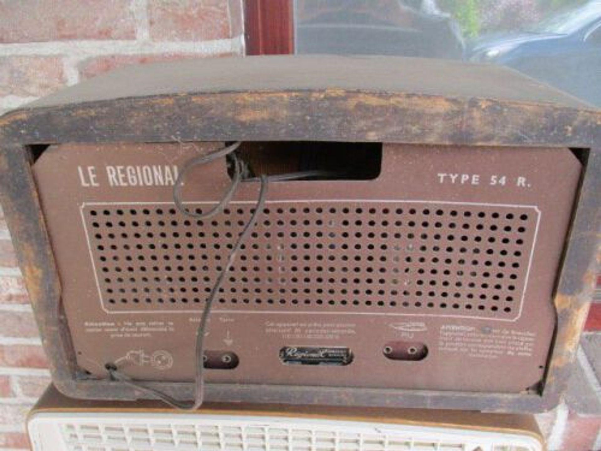 Remco gooit live op de radio zijn 59 jaar oude radio weg, in ruil voor een nieuwe DAB+ radio
