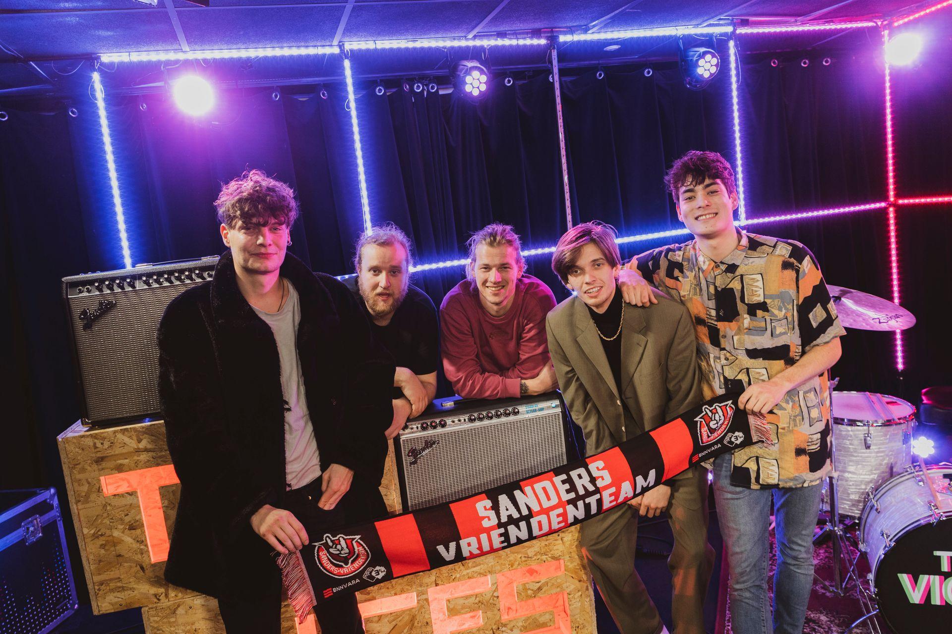 Gloednieuw 3FM Talent The Vices speelt 'Boy'