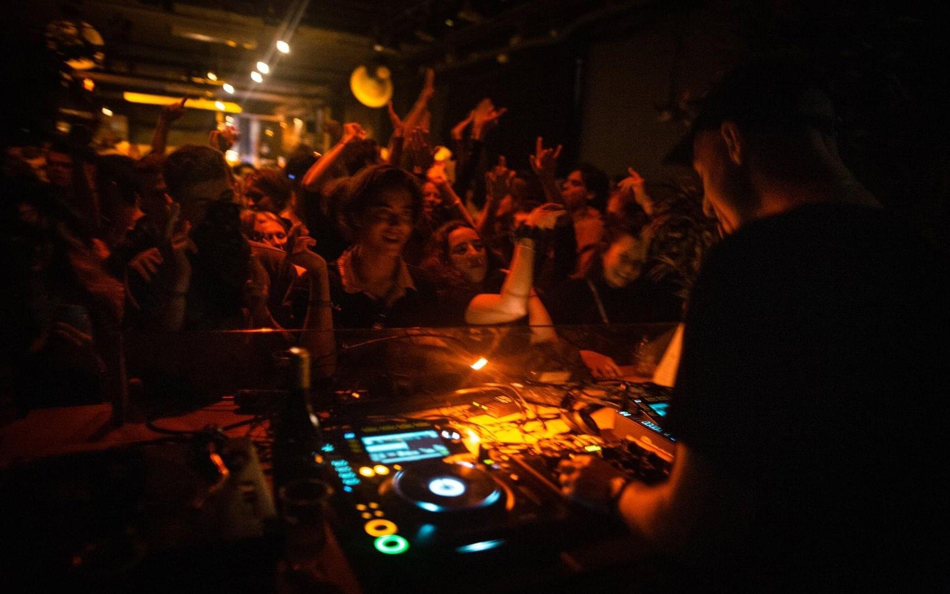 Nachtvlinders opgelet: maart is de Maand van de DJ op 3FM!