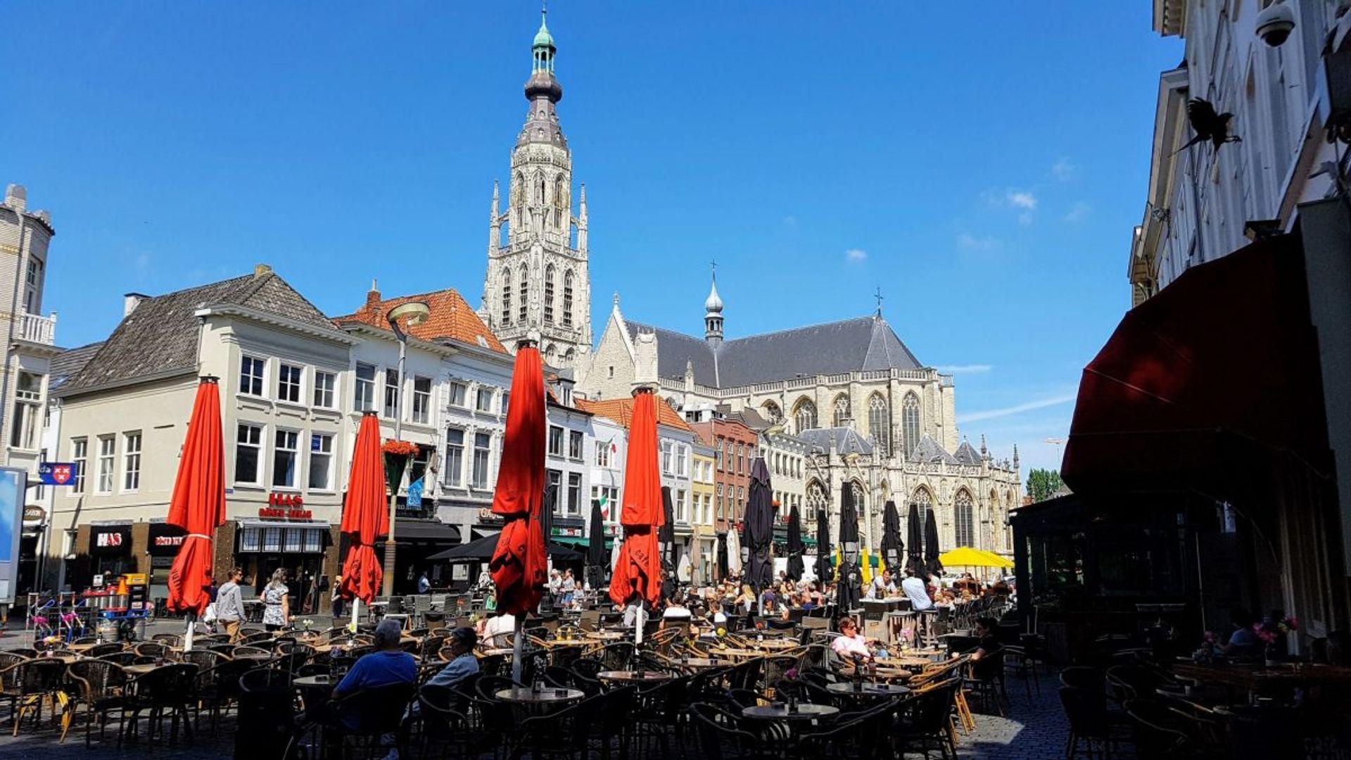 Horecaondernemer Dirk gaat z'n terrassen in Breda weer opengooien: