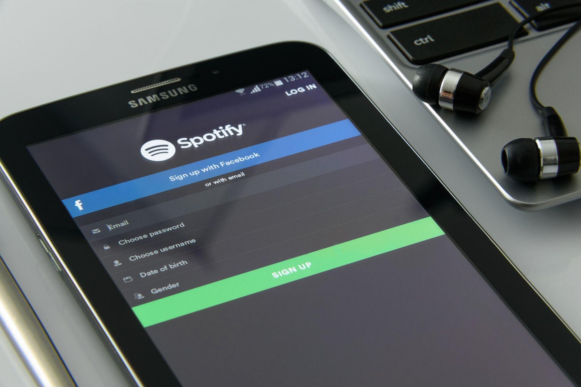 Meau moet op een Spotify-lijst: Timur belt met Spotifybaas BeNeLux om het te fixen