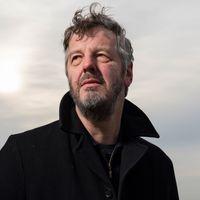 Zaterdag 23 januari presenteertschrijver, voorlezer van luisterboeken en radiomaker voor de VPRO Mathijs Deen Een goedemorgen met...