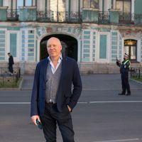Zaterdag 7 november presenteert schrijver en journalistPieter Waterdrinker Een goedemorgen met...