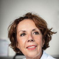 Zaterdag 15 juni wordt Een goedemorgen met... gepresenteerd door Angela Maas, cardioloog en eerste hoogleraar Cardiologie voor vrouwen in Nederland.