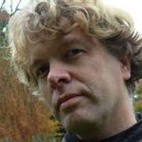 Vers van de pers: de nieuwste cd's, interviews, reportages en de laatste stand van zaken in klassieke-muziekland. Elke werkdag van 16:00 tot 19:00 uur en op zaterdag van 17:30 tot 19:00 uur op NPO Radio 4. Met Hans Haffmans, Dieuwertje Blok en Wouter Pleijsier.