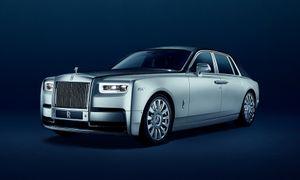 'Sobere' Spong rijdt in een auto van 550.000 euro
