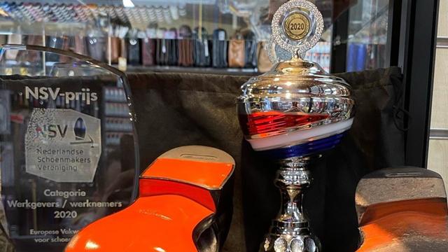 """Theo Frijn won met zijn gerepareerde schoenen het EK schoenmaken: """"Ze waren bijna perfect"""""""