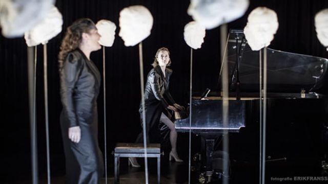 Elizabeth Maconchy - Ophelia's Song: Bauwien van der Meer / Caecilia Boschman