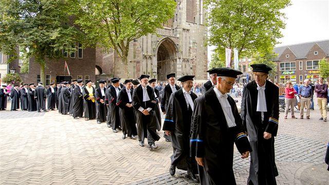 Academisch jaar begint met protestfietstocht