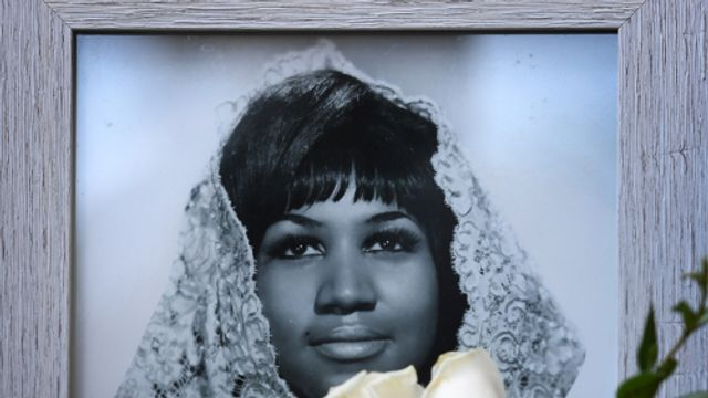 Shirma Rouse over Aretha Franklin