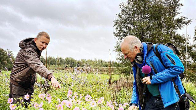 Stembus: Lex rijdt langs bij de kwekerij van Guido van Rijkom in Groenekan