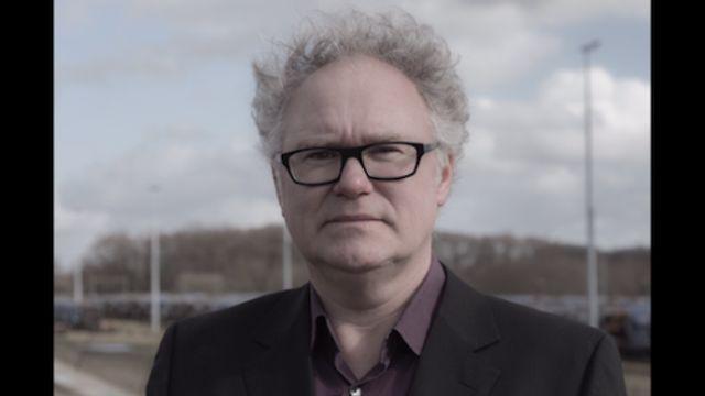 Hollandsche nieuwe! Jasper Schweppe zingt Francis Poulenc/Paul Éluard